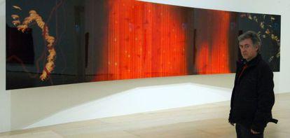 Darío Urzay, ante su obra expuesta en el Guggenheim.