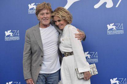 Robert Redford y Jane Fonda, en Venecia, antes de su rueda de prensa.