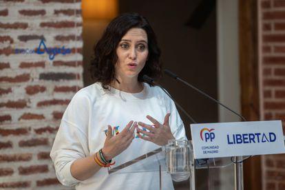 La presidenta de la Comunidad de Madrid y candidata a la reelección, Isabel Díaz Ayuso, en la localidad madrileña de Boadilla del Monte.