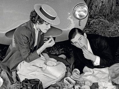 Un día de pícnic en Eton, Reino Unido, en 1959.