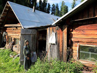 Agafia Lykova, única del clan de los Lykov que sigue viviendo aislada en la taiga siberiana.