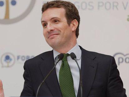 El presidente del PP, Pablo Casado, este martes en Vitoria. En vídeo, Casado pide a Vox que no se presente en circunscripciones pequeñas.