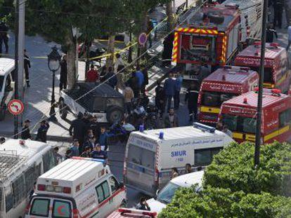 La explosión ha ocurrido en pleno corazón de la capital del país. La terrorista ha fallecido y hay quince personas heridas, diez de ellas policías, según el Ministerio del Interior