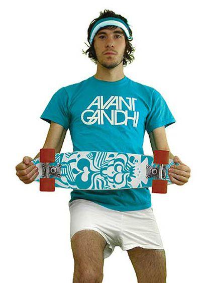Emil Kozak, en la foto con una tabla de <i>skate.</i>