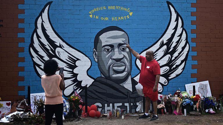Grafiti en homenaje a George Floyd, en Third Ward, el barrio en el que vivió en Houston (Texas), el pasado miércoles.