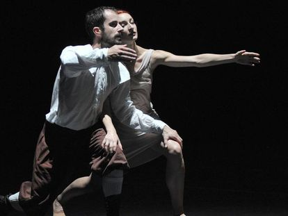 Dos de los bailarines durante la coreografía 'La Stravaganza' de Preljocaj.