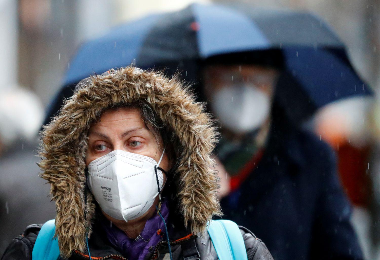Una mujer con una mascarilla FPP2 en Berlín el 19 de enero.