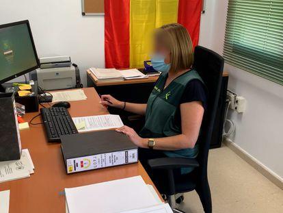 Una de las investigadoras de la Guardia Civil de Cádiz que ha reconstruido los pasos de la supuesta estafadora de Chiclana.