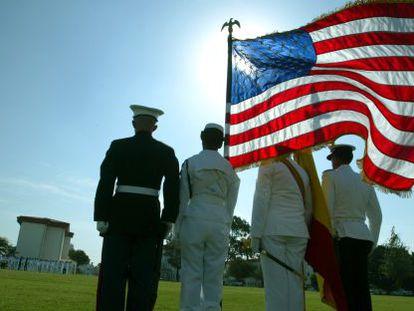 Militares españoles y estadounidenses, en un acto celebrado en la base de Rota.