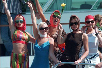 Las Spice Girls llegan al festival de Cannes en 1997.