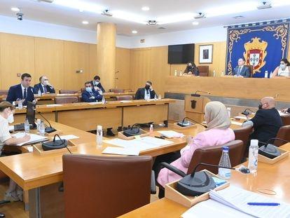Pleno de la Asamblea de Ceuta de este lunes, luego suspendido.