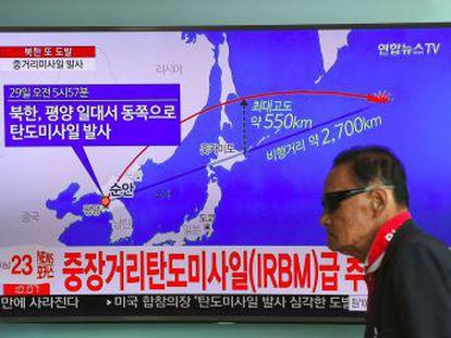 El primer ministro nipón califica el lanzamiento de  grave y sin precedentes . El Consejo de Seguridad de la ONU se reunirá de urgencia este martes