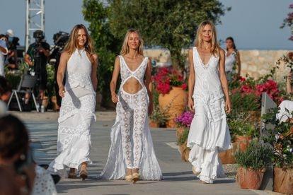 Las modelos Martina Klein, Vanesa Lorenzo y Verónica Blume en el desfile de Adlib Ibiza el pasado sábado.