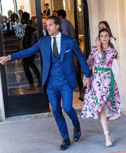 Feliciano López y Sandra Gago salen del hotel donde están alojados en Pollença, Mallorca, para dirigirse a Sa Fortalesa.