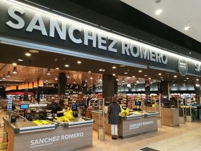 Interior de la tienda de Sánchez Romero situada en el centro comercial Moraleja Green de Alcobendas (Madrid).