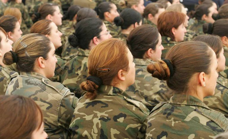 Military women during an act at the El Goloso base (Madrid).