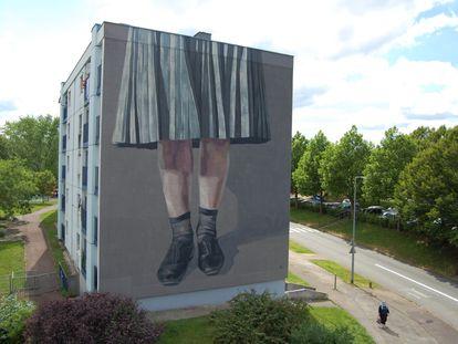 Mural de Hyuro en la ciudad francesa de Besançon.