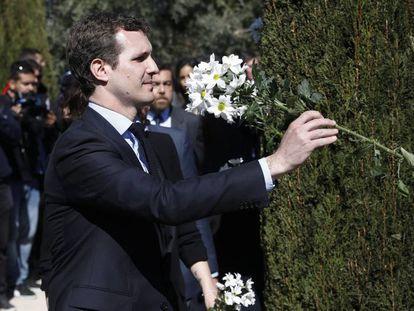 Pablo Casado, durante el homenaje a las victimas del 11-M en el parque del Retiro, en Madrid.