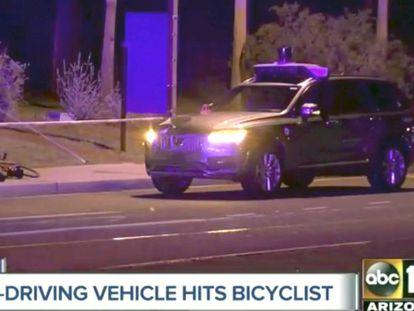 Fotograma de un vídeo divulgado por la ABC estadounidense del momento del accidente del coche autónomo de Uber.