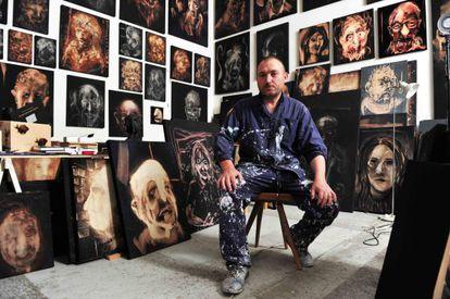 Miquel Barceló, en su estudio de París.