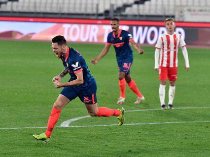 Ocampos celebra el gol que le dio el pase a semifinales al Sevilla.