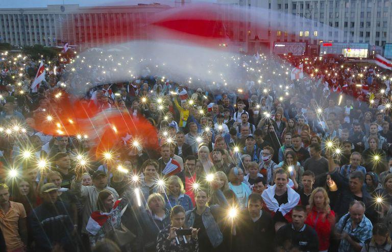 Manifestantes opositores el pasado agosto en la plaza de la Independencia de Minsk.