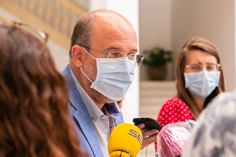 El vicepresidente de Castilla-La Mancha, José Luis Martínez Guijarro, en declaraciones a los medios el pasado lunes.