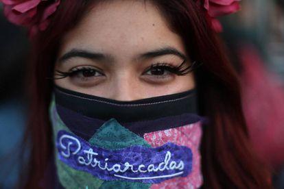 Una manifestante en Santiago de Chile.