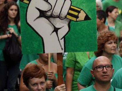 Protesta en Palma contra el trilingüismo de Bauzá.