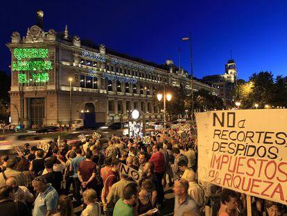 Acto de protesta sindical contra los recortes en Cibeles.