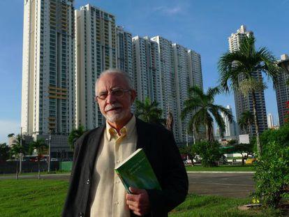 El académico José María Merino, en Panamá, horas después de conocer la noticia de su premio.