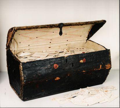 El Baúl de Brienne contiene 577 paquetes de cartas cerradas del Renacimiento europeo.