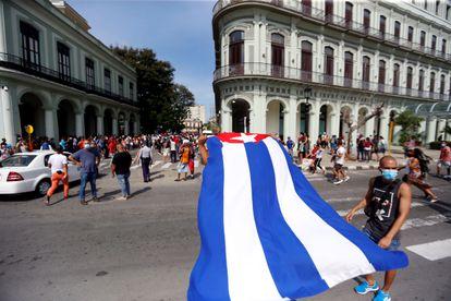 Manifestantes en apoyo del régimen cubano en La Habana, el 11 de julio.