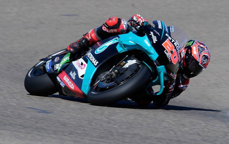 Fabio Quartararo rueda con su Yamaha en el circuito de Alcañiz.