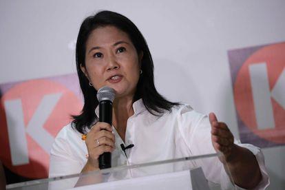 La candidata a la presidencia del Perú, Keiko Fujimori, ofrece un discurso, el domingo.