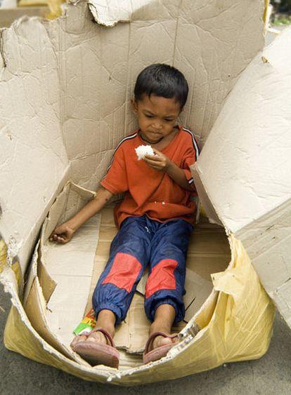 Los niños que deambulan solos por las calles de Phnom Penh son carne de cañón.