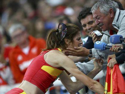 Beitia celebra el oro en Río con Torralbo.