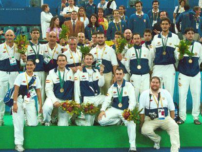 Selección paralímpica de baloncesto con el oro en Sidney 2000.