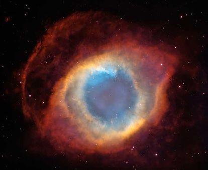 La Nebulosa de la Hélice, la nube de polvo y gas que queda de una estrella similar a nuestro Sol.