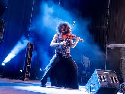Ara Malikian durante su concierto en la Plaza de las Armerías.