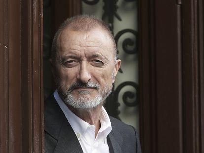 El escritor Arturo Pérez-Reverte, en 2006. / Uly Martín