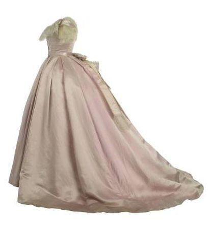 Vestido de baile, de época romántica.