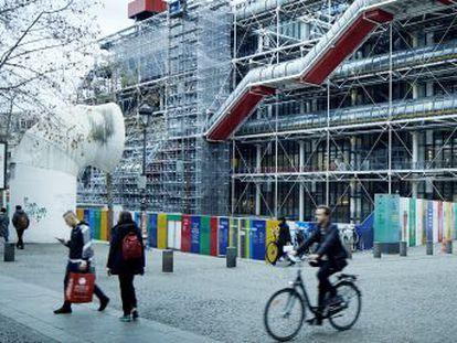 El centro parisino renueva sus instalaciones y escoge una lista de obras icónicas para seducir a los turistas, regresando a la idea original del museo en 1977