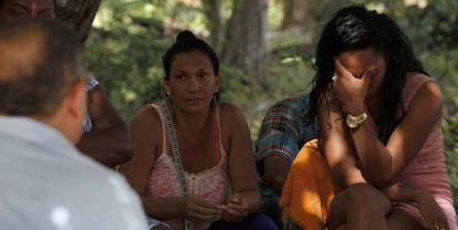 Migrantes cubanos el viernes en Panamá.