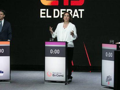 Manuel Valls y Ada Colau durante el debate electoral de los candidatos a la alcaldía de Barcelona, el pasado 21 de mayo.