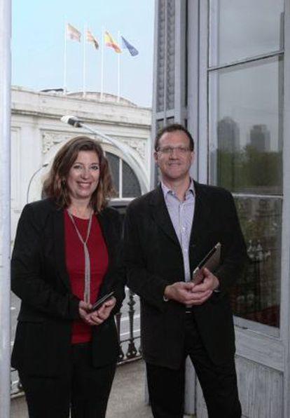 Blanca Rosa Roca, editora, y Michael Gordon.
