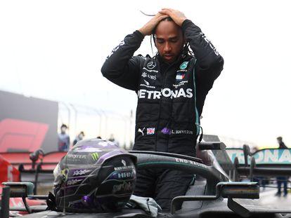 Lewis Hamilton celebra su séptimo Mundial de Fórmula 1 tras ganar este domingo el Gran Premio de Turquía.