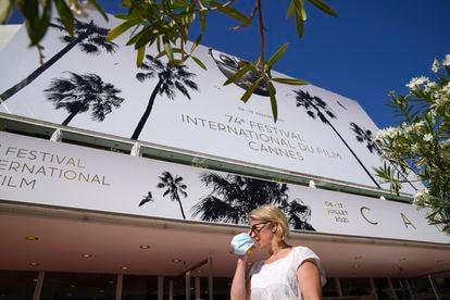 Entrada al Palais des Festival de Cannes ayer por la mañana.