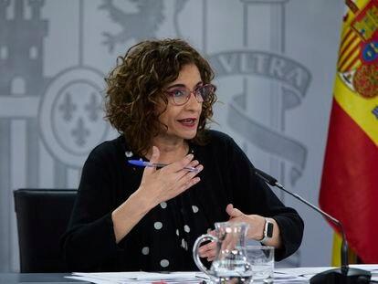 La ministra de Hacienda, María Jesús Montero, este martes en la rueda de prensa posterior al Consejo de Ministros.