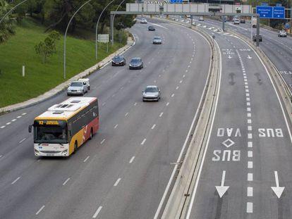 Carriles bus en la entrada de Barcelona por la avenida Meridiana